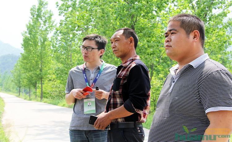 张海水接受中国花木网记者采访