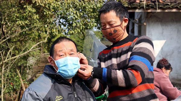 农忙将至,疫情还没消除,农民可以下地干活吗?需不需要戴口罩?